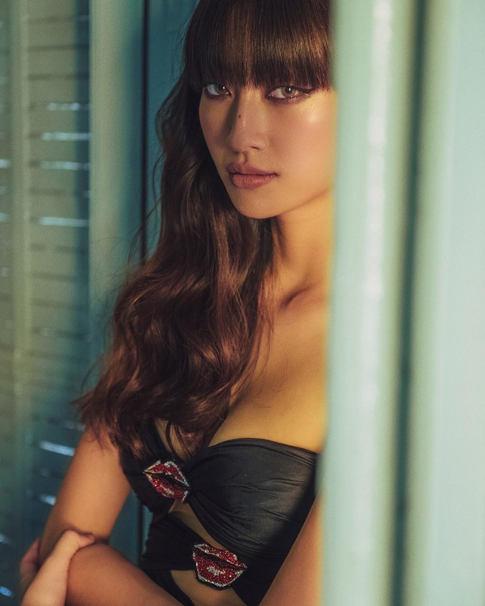Body nuột nà và đôi chân 'cực phẩm' 1m22 của Miss World Vietnam Lương Thùy Linh ảnh 6