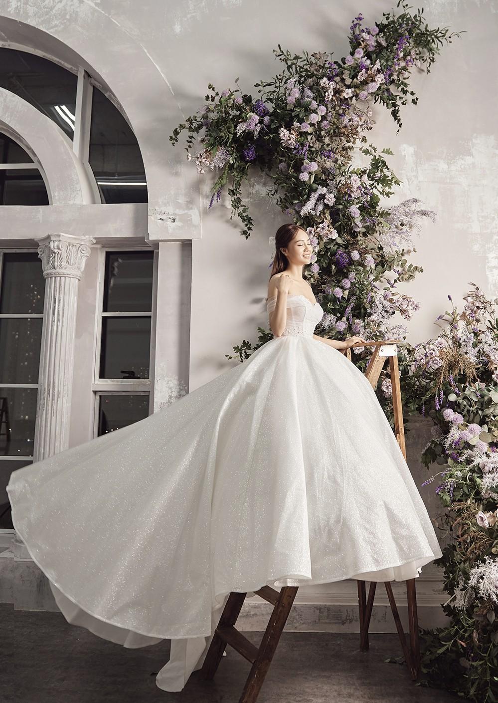 Vợ sắp cưới kém 15 tuổi của NSND Công Lý xinh đẹp lộng lẫy khi mặc váy cô dâu ảnh 8