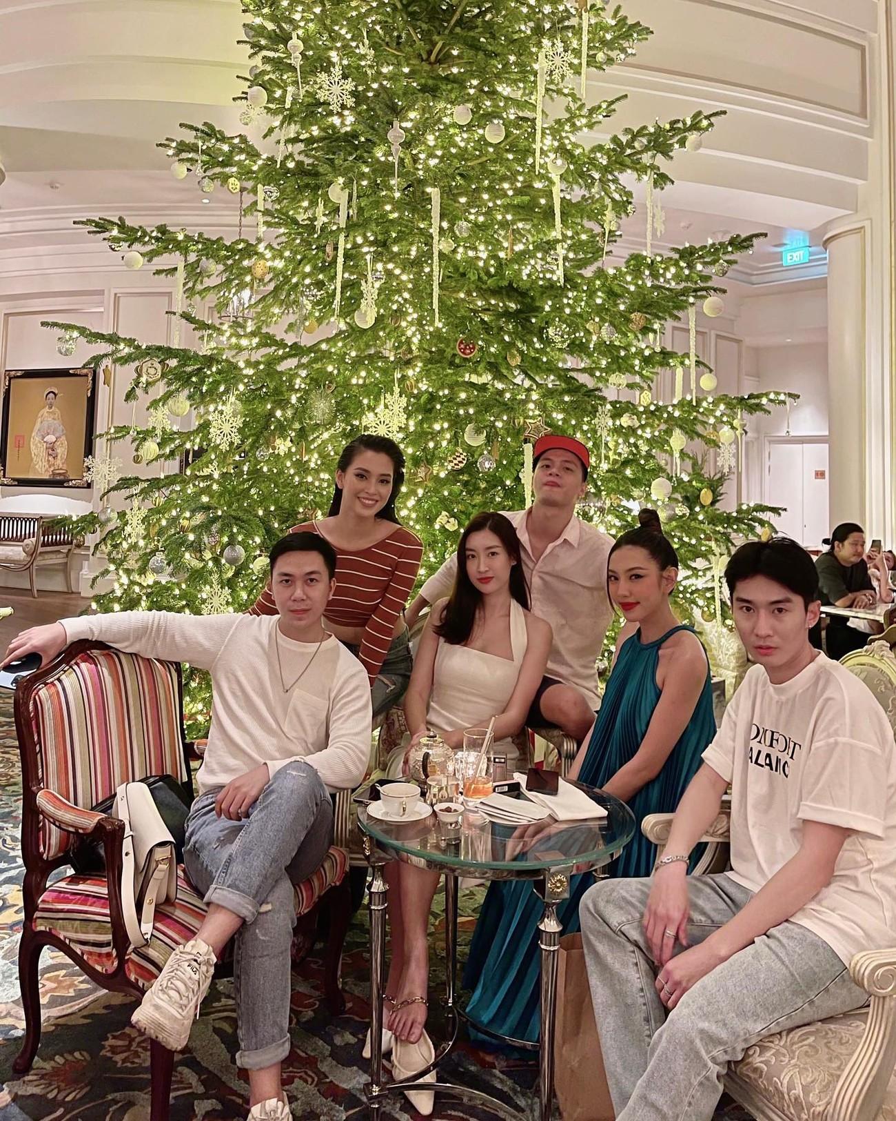 Minh Tú khoe vòng ba 'ngoại cỡ' khiến fans 'choáng váng', Kiều Loan diện váy cúp ngực sexy ảnh 16