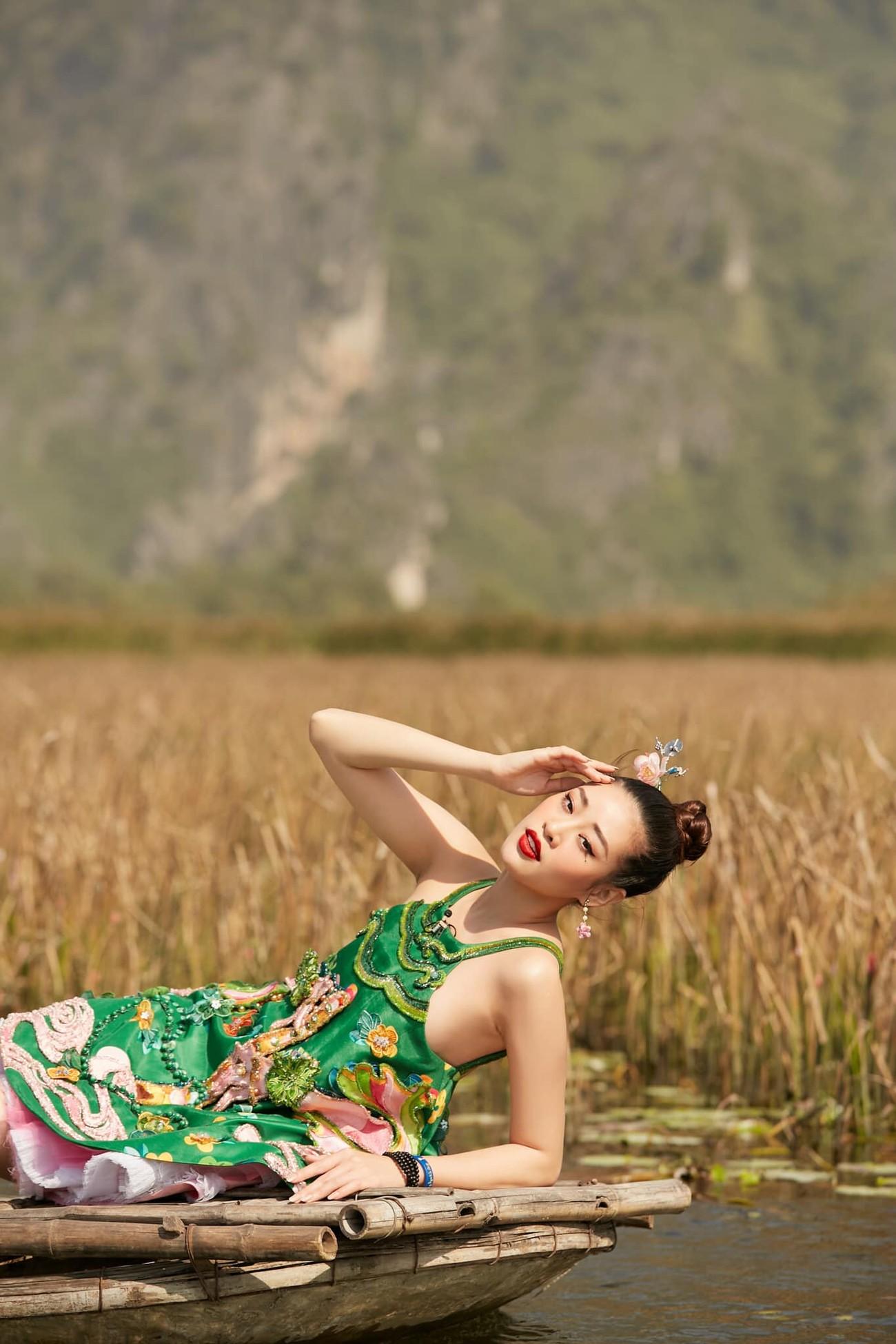 Minh Tú khoe vòng ba 'ngoại cỡ' khiến fans 'choáng váng', Kiều Loan diện váy cúp ngực sexy ảnh 5