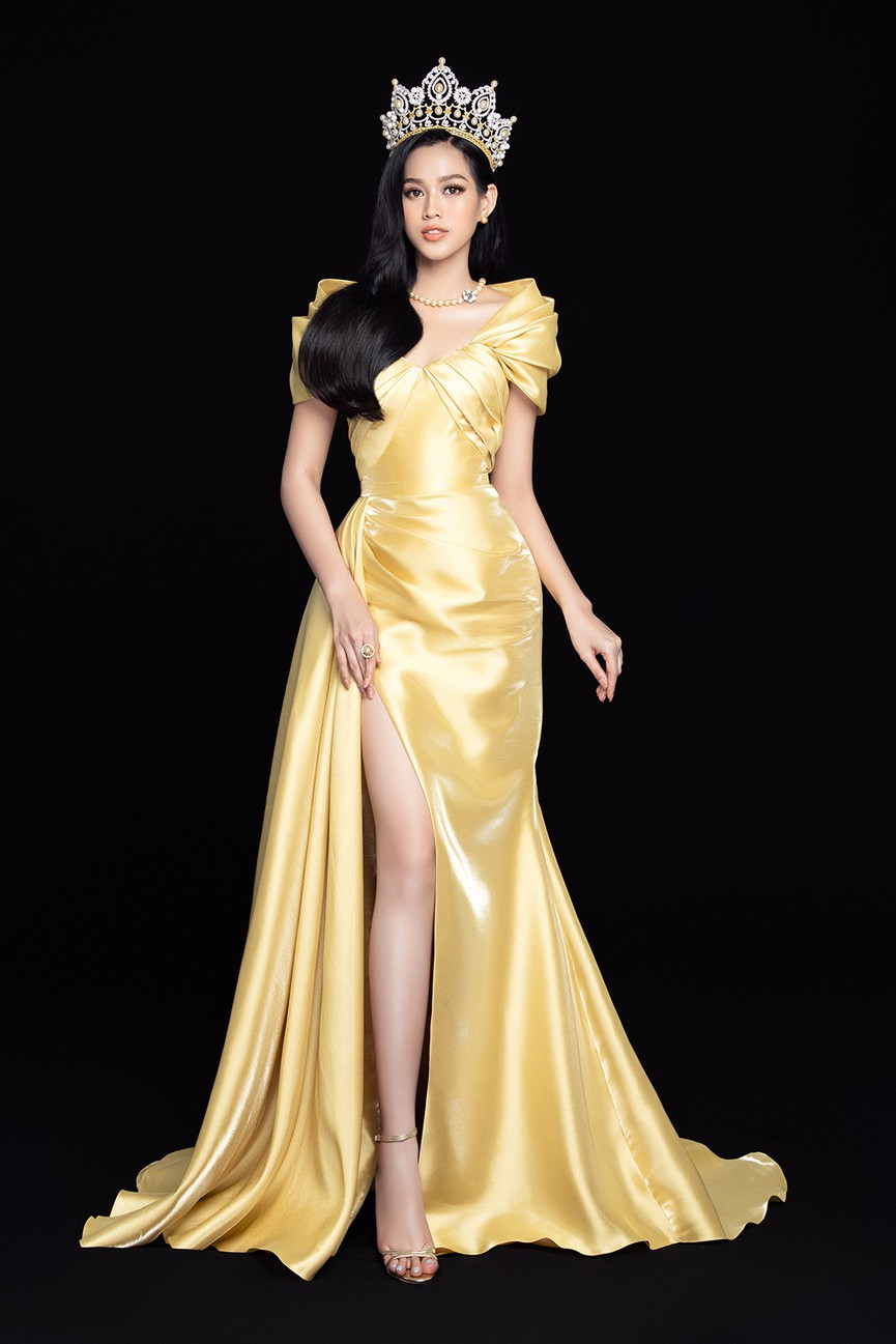 Nhan sắc ngày càng quyến rũ của Hoa hậu Đỗ Thị Hà sau 1 tháng đăng quang ảnh 3