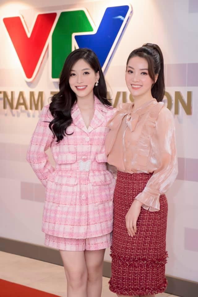 Hoa hậu Tiểu Vy mặc váy cô dâu khoe thềm ngực quyến rũ ảnh 12