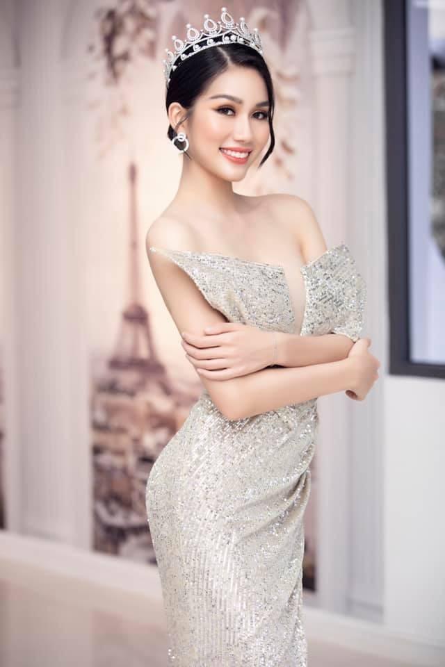 Gu thời trang 'thăng hạng' đầy gợi cảm của Á hậu Phương Anh sau 1 tháng nhận danh hiệu ảnh 15