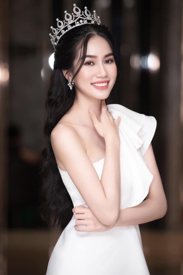 Gu thời trang 'thăng hạng' đầy gợi cảm của Á hậu Phương Anh sau 1 tháng nhận danh hiệu ảnh 14
