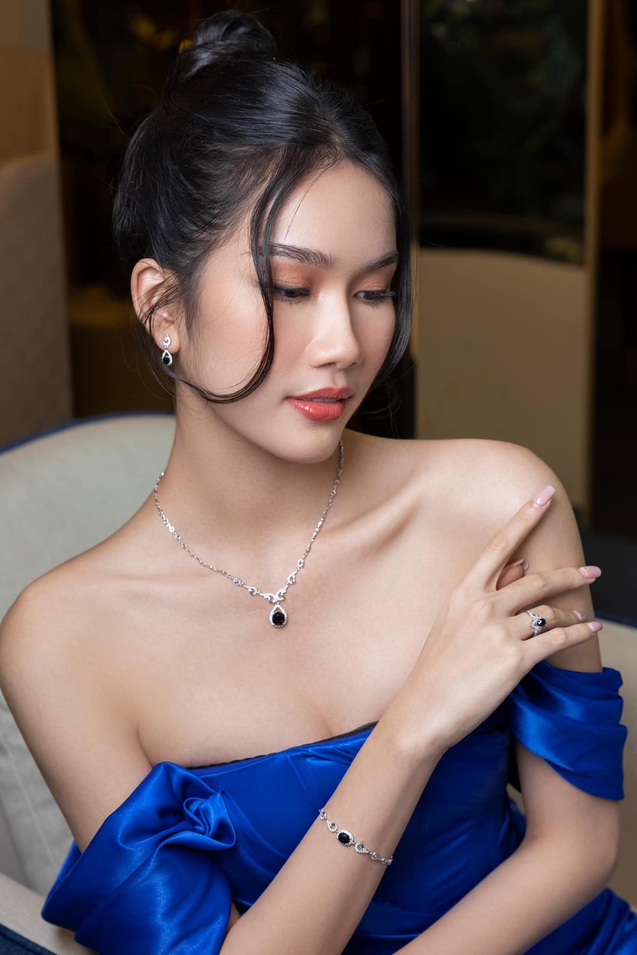 Gu thời trang 'thăng hạng' đầy gợi cảm của Á hậu Phương Anh sau 1 tháng nhận danh hiệu ảnh 12