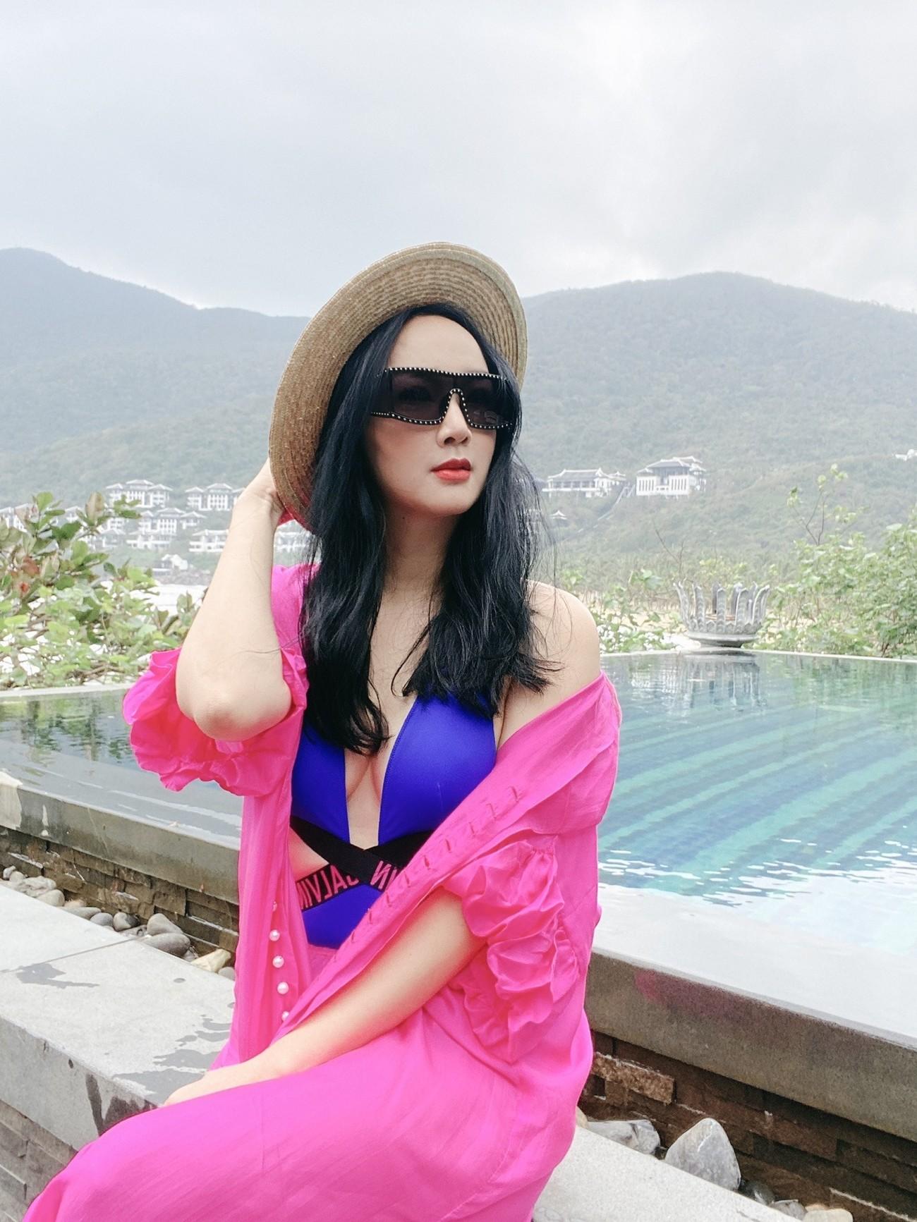 Hoa hậu Giáng My khoe khéo body gợi cảm và vẻ đẹp không tuổi những ngày đầu năm mới ảnh 2