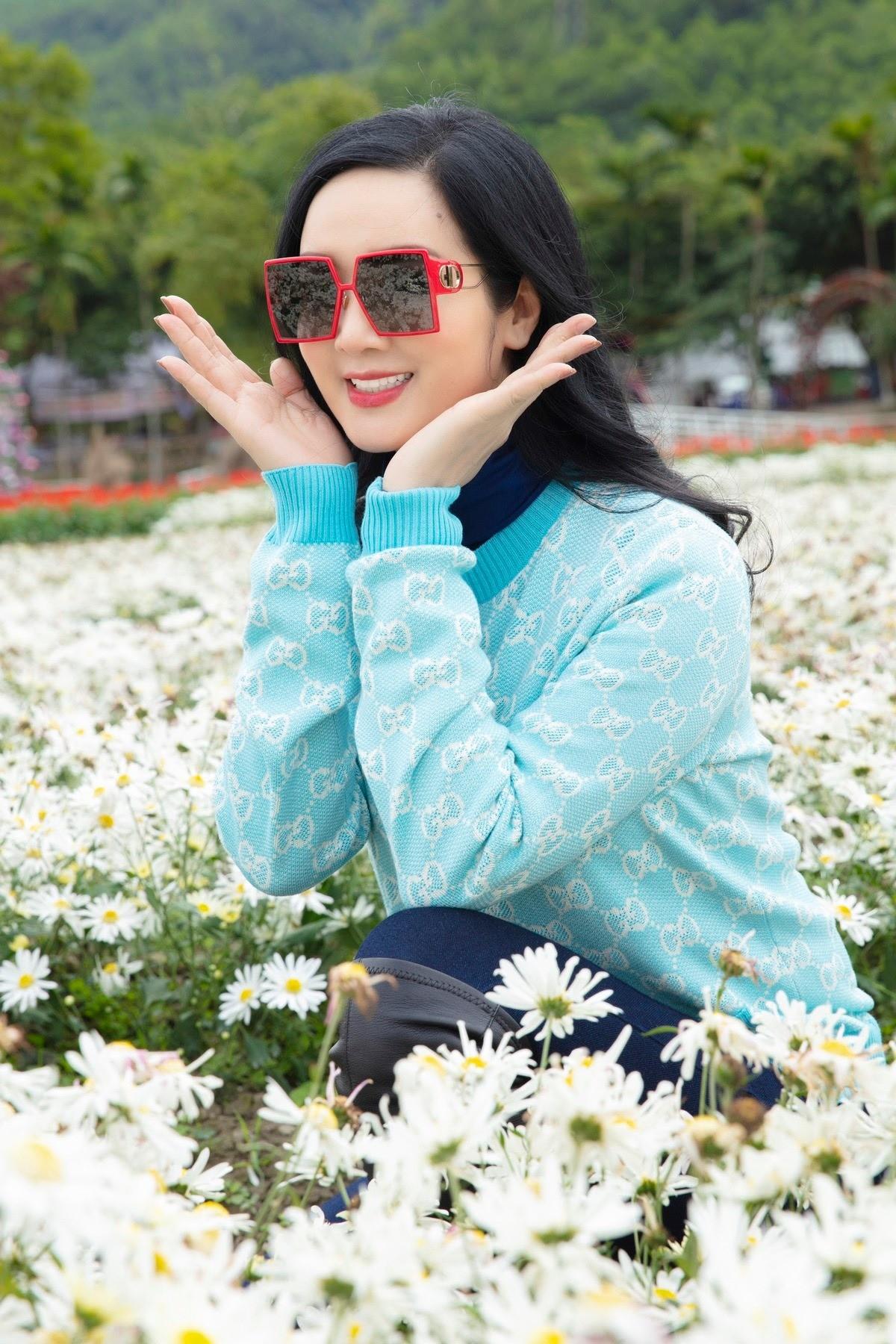 Hoa hậu Giáng My khoe khéo body gợi cảm và vẻ đẹp không tuổi những ngày đầu năm mới ảnh 4