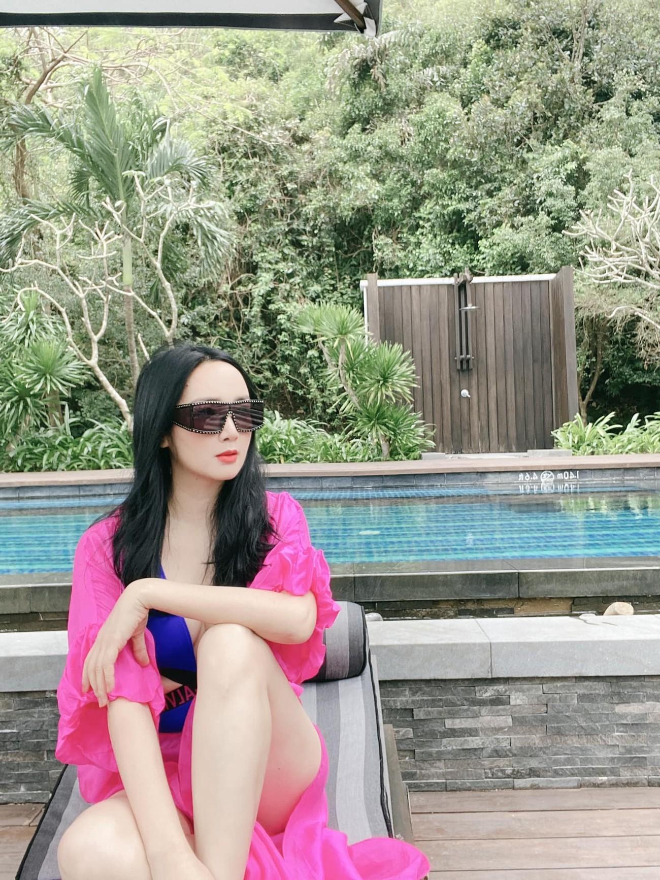 Hoa hậu Giáng My khoe khéo body gợi cảm và vẻ đẹp không tuổi những ngày đầu năm mới ảnh 3