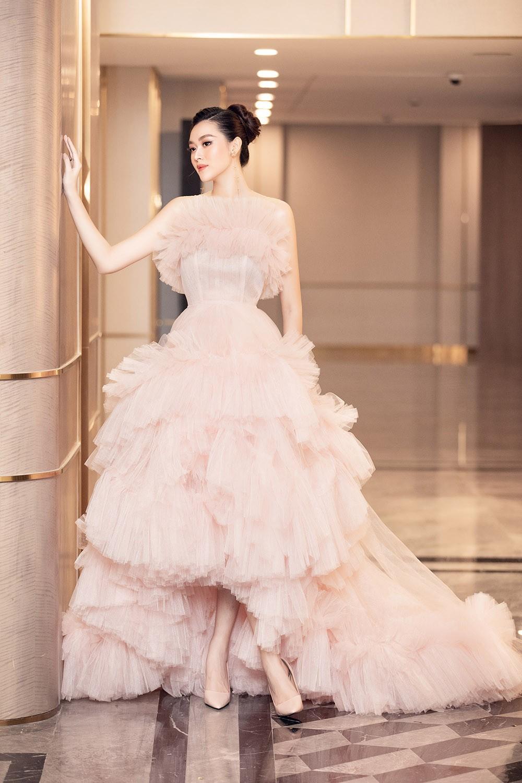 Á hậu Tường San tái xuất sau đám cưới, khoe nhan sắc trong veo 'vạn người mê' ảnh 3