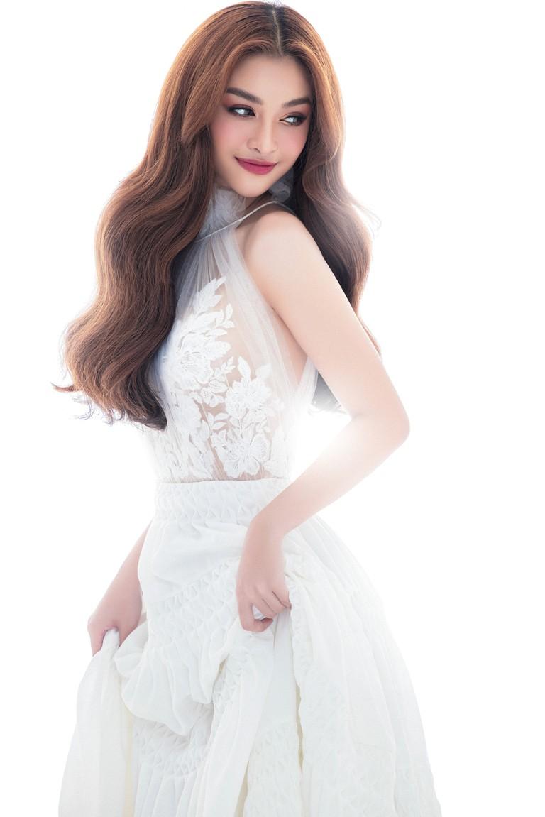 Kiều Loan thăng hoa với thần thái chuẩn Beauty Queen sau khi được đề cử 'Ngôi sao của năm' ảnh 13