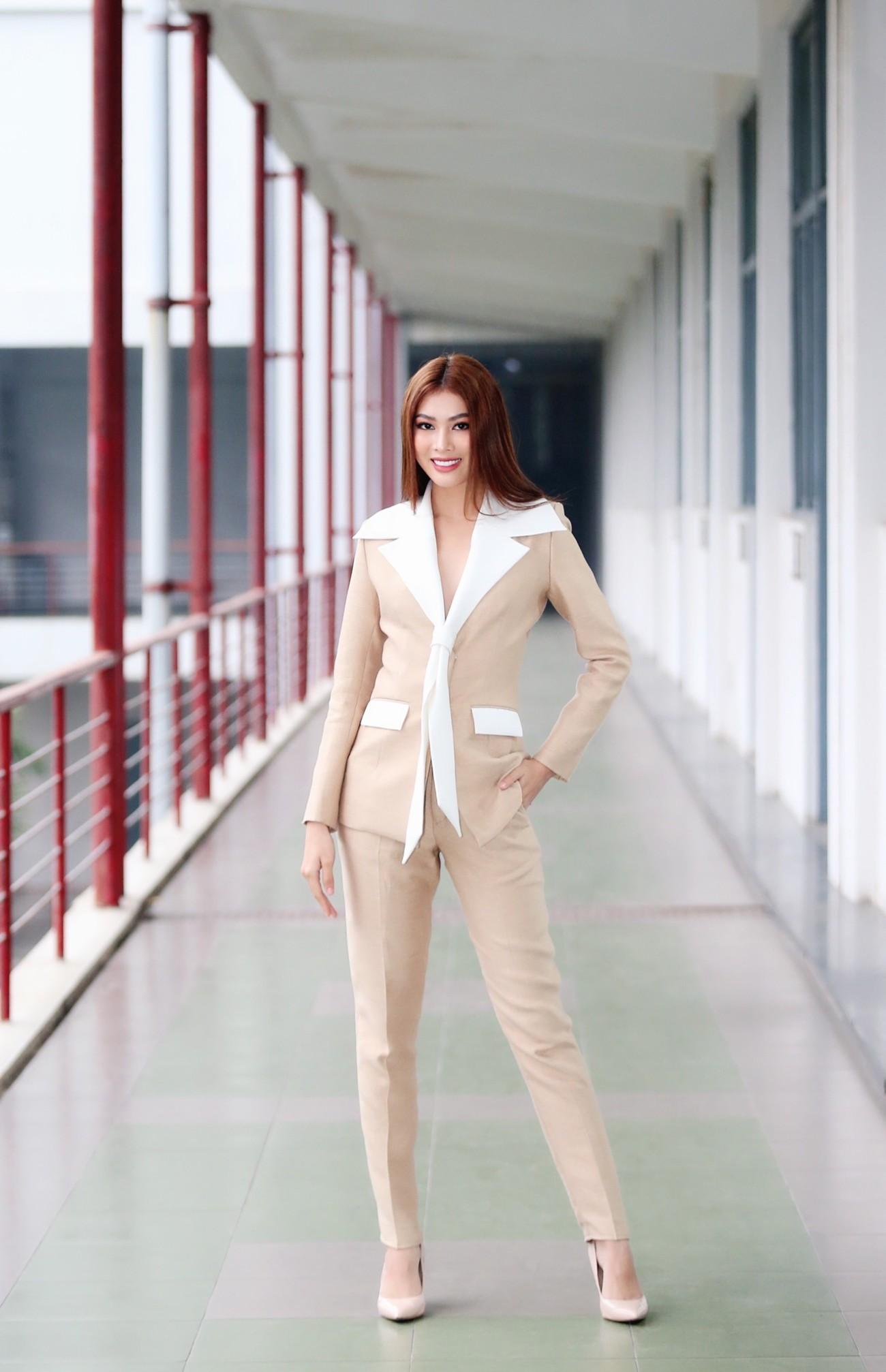 Hoa hậu Đỗ Thị Hà và Á hậu Phương Anh, Ngọc Thảo giản dị vẫn cực xinh đẹp ảnh 8