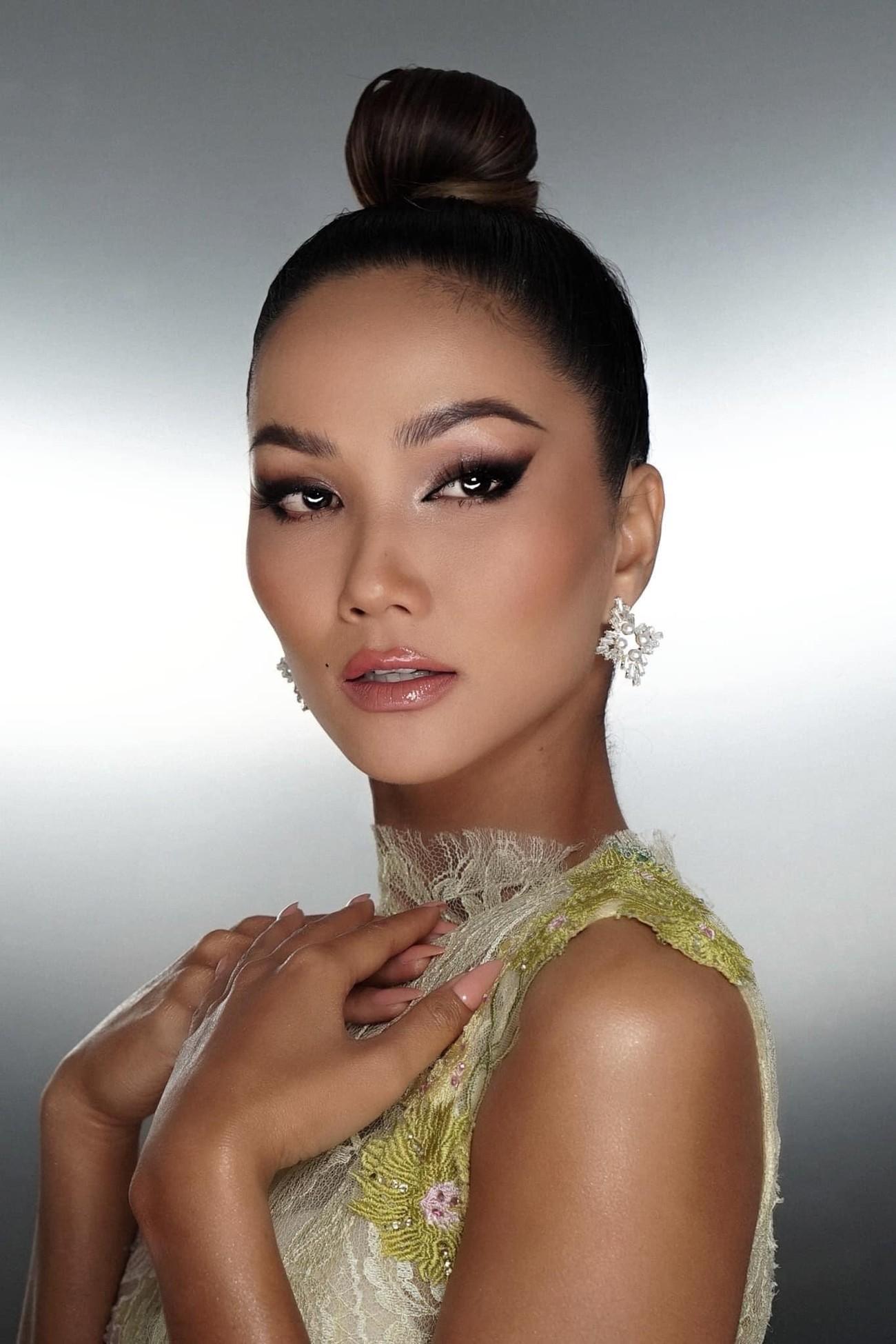 Diện lại sắc vàng từng 'gây bão' ở Miss Universe, H'Hen Niê đẹp rạng rỡ như một đóa hồng ảnh 7