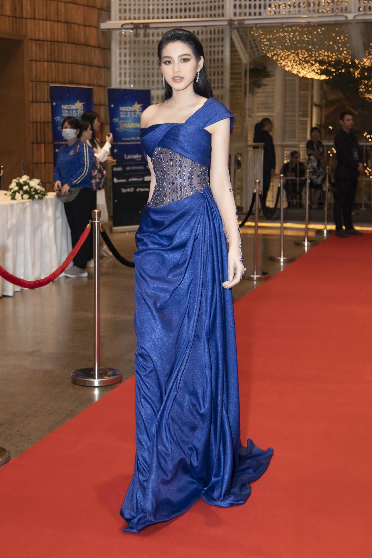 Top 3 Hoa hậu Việt Nam 2020 mặc váy cắt xẻ gợi cảm, đọ sắc Lương Thuỳ Linh-Kiều Loan ảnh 2