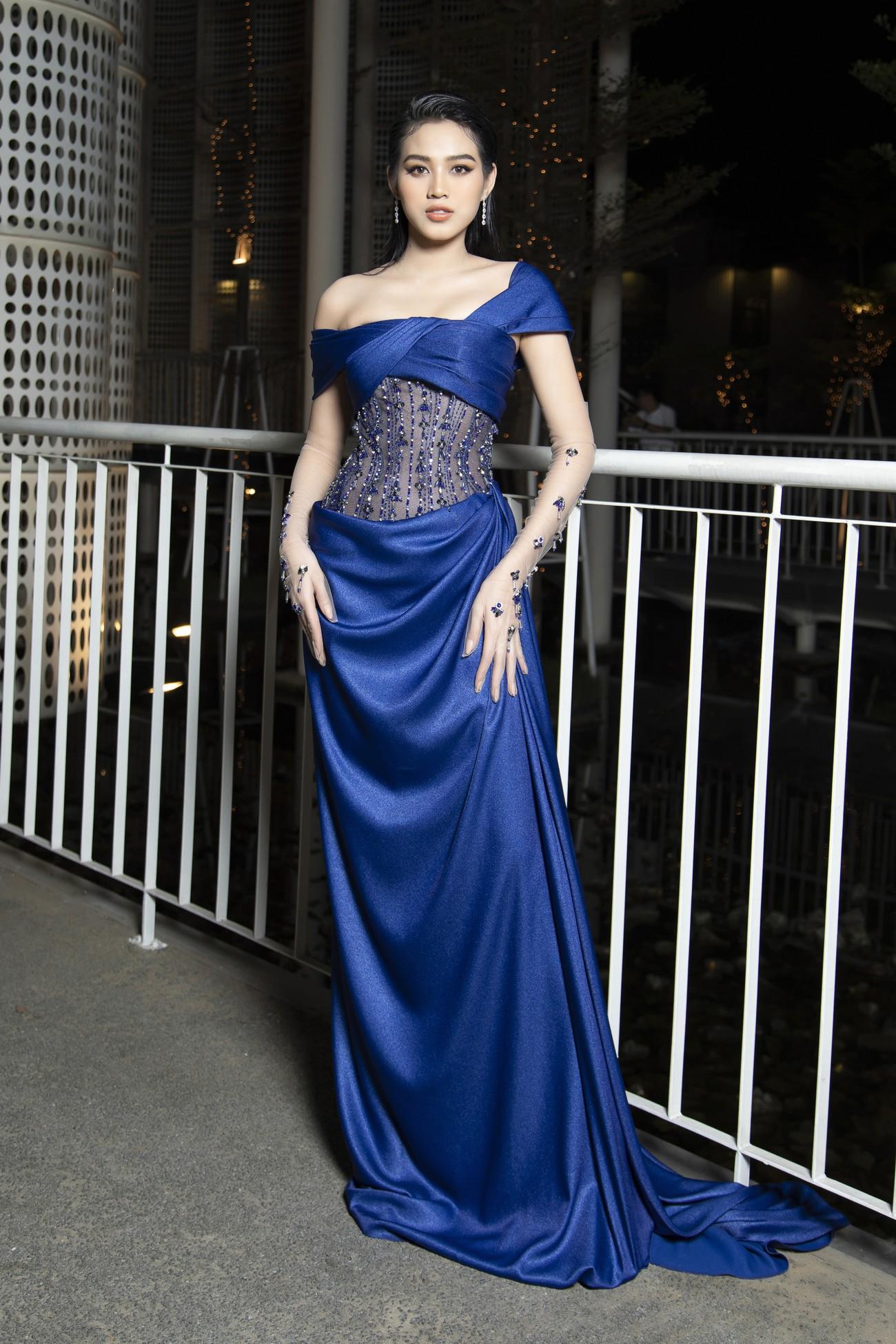 Top 3 Hoa hậu Việt Nam 2020 mặc váy cắt xẻ gợi cảm, đọ sắc Lương Thuỳ Linh-Kiều Loan ảnh 4