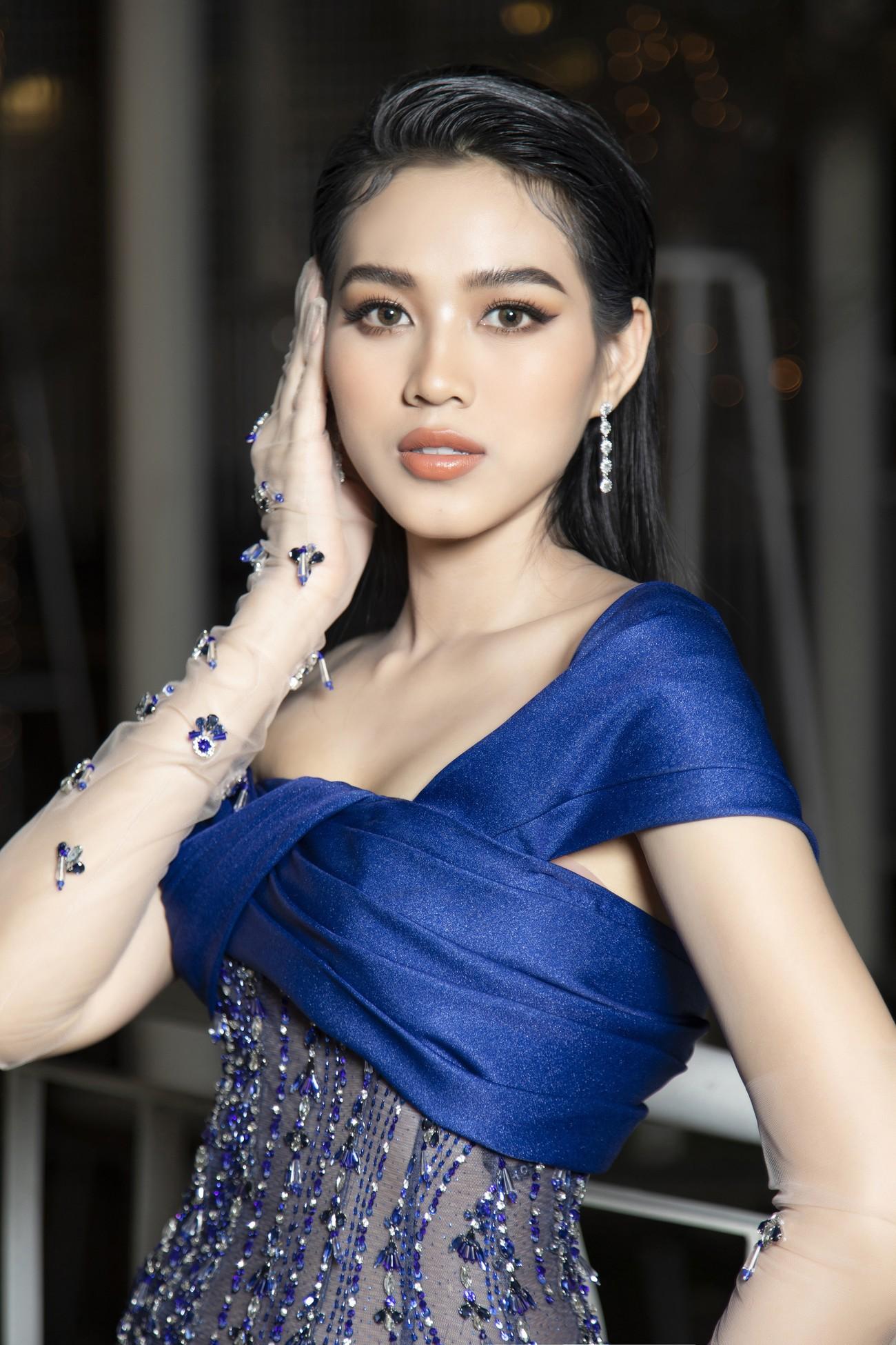 Top 3 Hoa hậu Việt Nam 2020 mặc váy cắt xẻ gợi cảm, đọ sắc Lương Thuỳ Linh-Kiều Loan ảnh 6