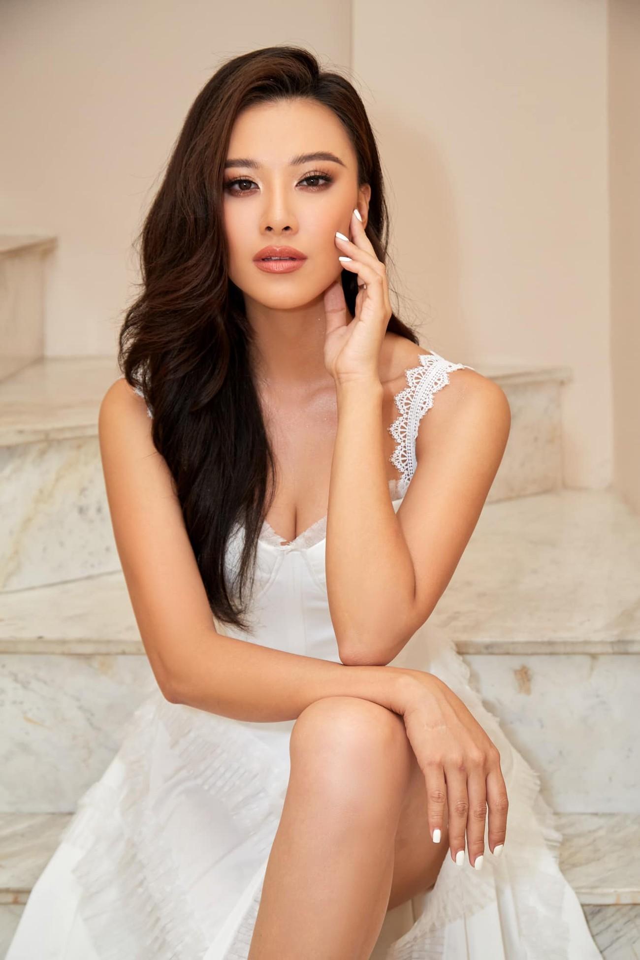 Đỗ Thị Hà mặc mốt giấu quần khoe chân dài sexy, Hoàng Thuỳ diện váy tua rua cắt xẻ táo bạo ảnh 13