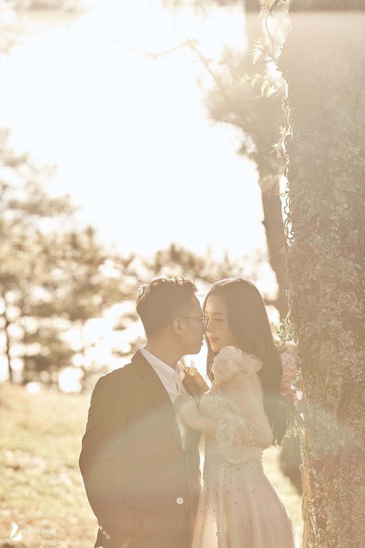 Á hậu Thúy An tiếp tục tung ảnh cưới 'tình bể bình' ở Đà Lạt trước thềm hôn lễ ảnh 5