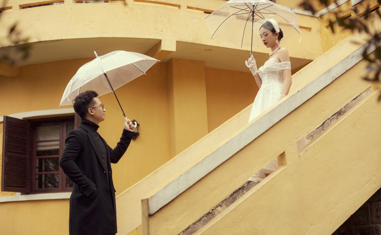 Á hậu Thúy An tiếp tục tung ảnh cưới 'tình bể bình' ở Đà Lạt trước thềm hôn lễ ảnh 1