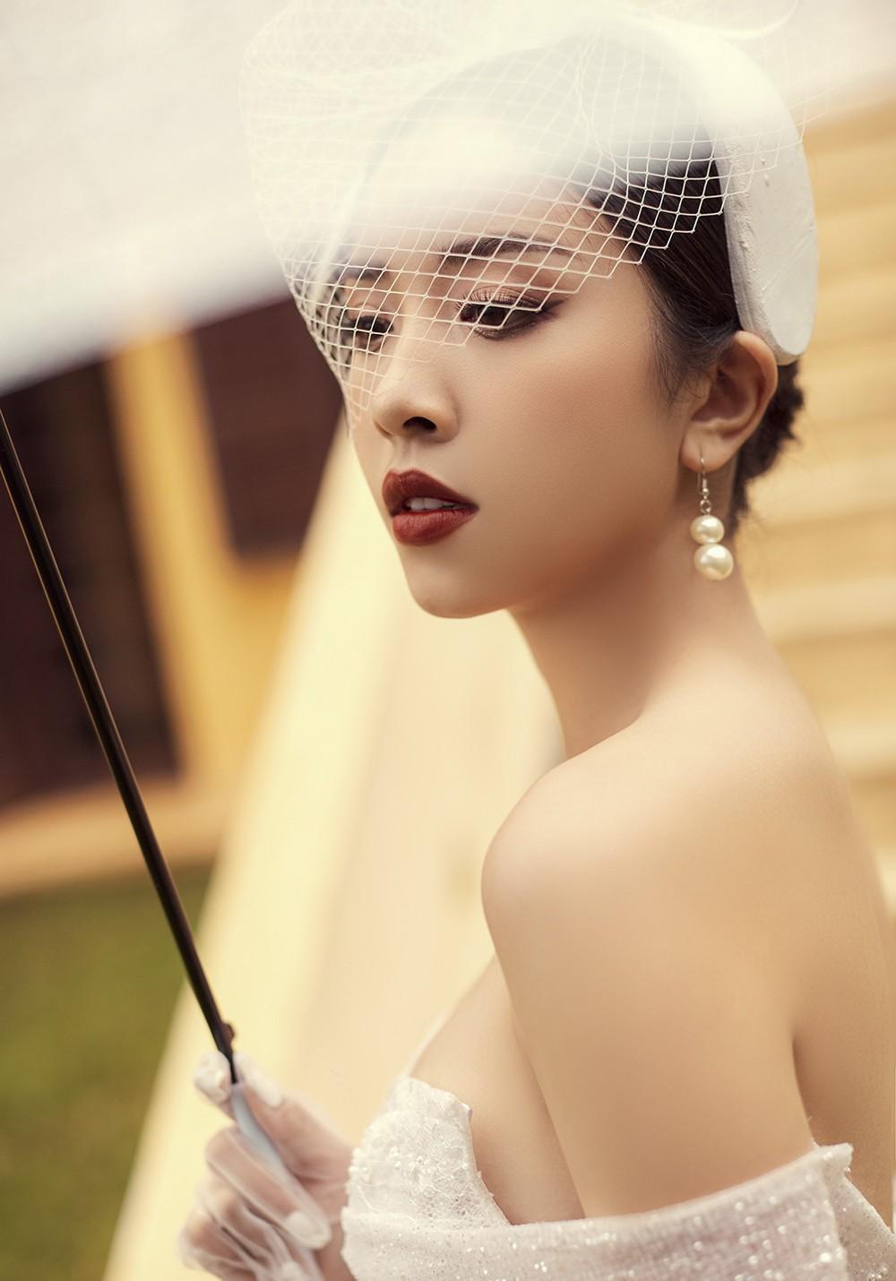 Á hậu Thúy An tiếp tục tung ảnh cưới 'tình bể bình' ở Đà Lạt trước thềm hôn lễ ảnh 3