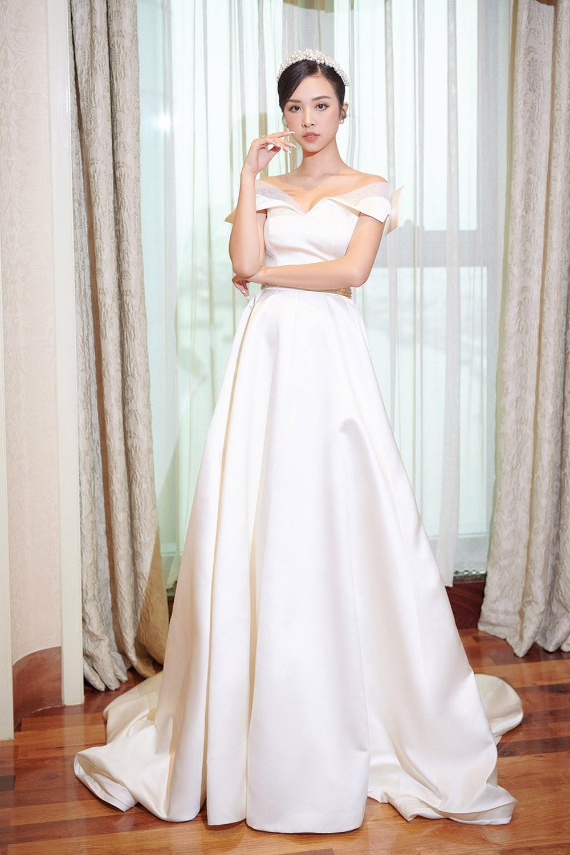 Khoảnh khắc hoa hậu Tiểu Vy bật khóc vì xúc động trong đám cưới Á hậu Thuý An gây chú ý ảnh 10