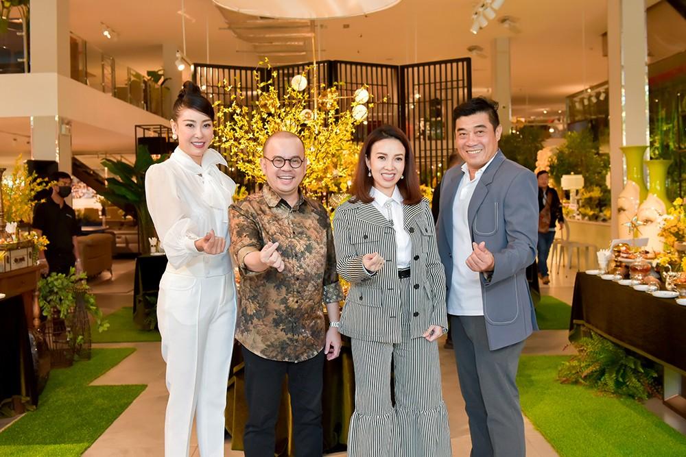 Hoa hậu Hà Kiều Anh lần đầu trổ tài làm MC, khoe giọng hát ngọt ngào ảnh 3