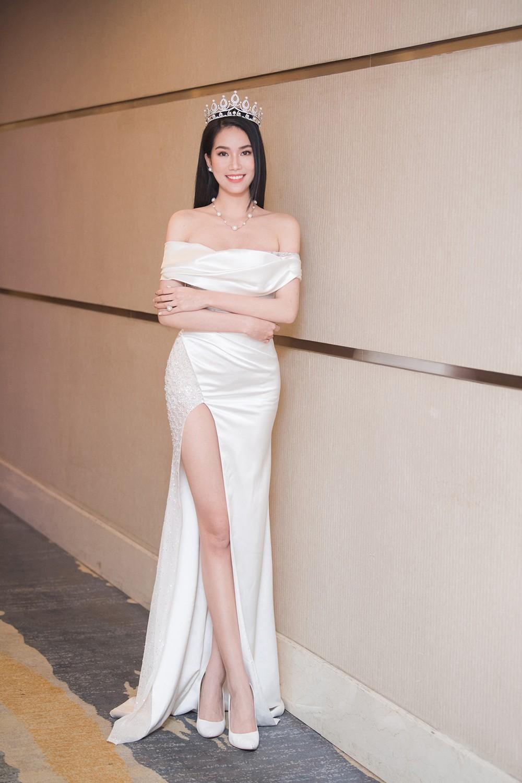 Top 3 Hoa hậu Việt Nam 2020 khoe vai trần quyến rũ 'gây thương nhớ' ảnh 9