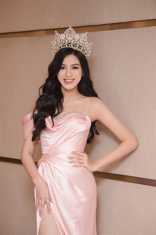 Top 3 Hoa hậu Việt Nam 2020 khoe vai trần quyến rũ 'gây thương nhớ' ảnh 5