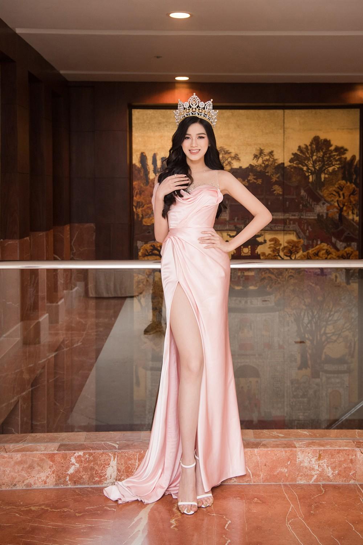 Top 3 Hoa hậu Việt Nam 2020 khoe vai trần quyến rũ 'gây thương nhớ' ảnh 4