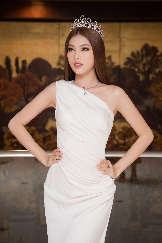 Top 3 Hoa hậu Việt Nam 2020 khoe vai trần quyến rũ 'gây thương nhớ' ảnh 7