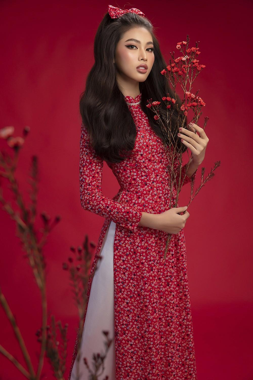 Diện áo dài Tết theo phong cách xưa, Top 3 HHVN 2020 đẹp như minh tinh thập niên 50 ảnh 6