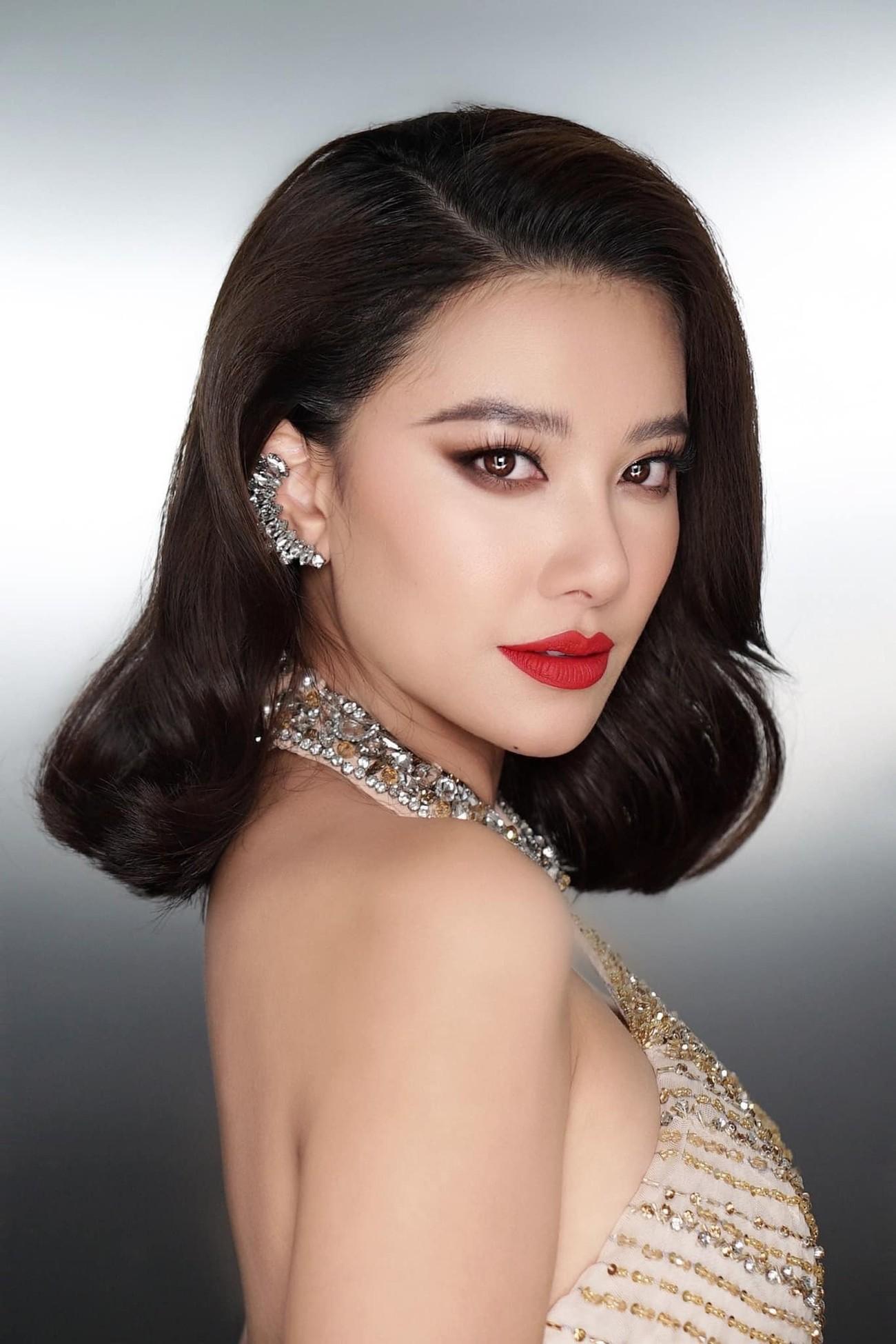 Tiểu Vy diện váy trễ vai gợi cảm, Lương Thuỳ Linh mặc đầm đỏ rực khoe chân dài 1m22 ảnh 13