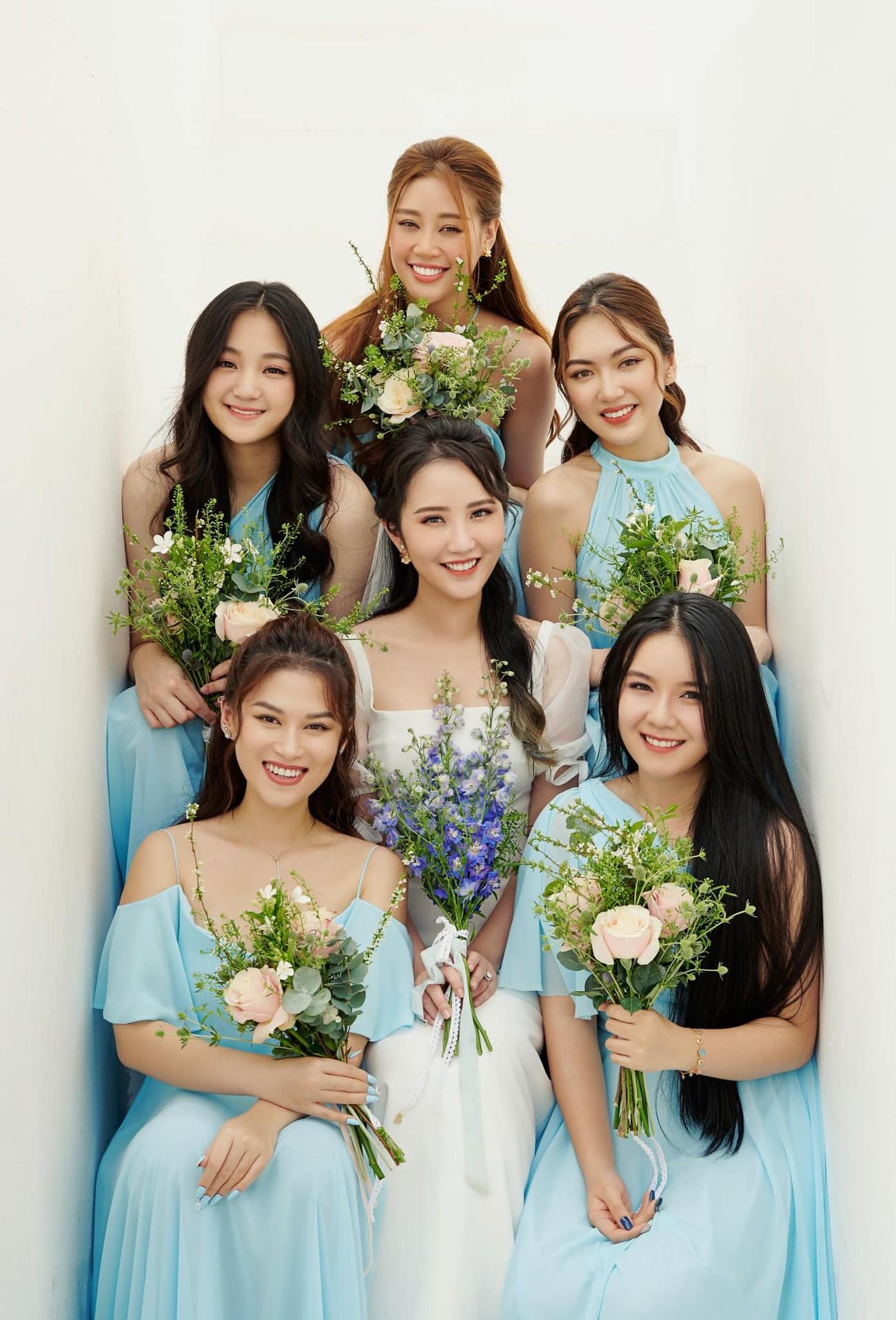 Hoa hậu Đỗ Thị Hà xinh đẹp nền nã với áo dài, H'Hen Niê hoá búp bê barbie nóng bỏng ảnh 13