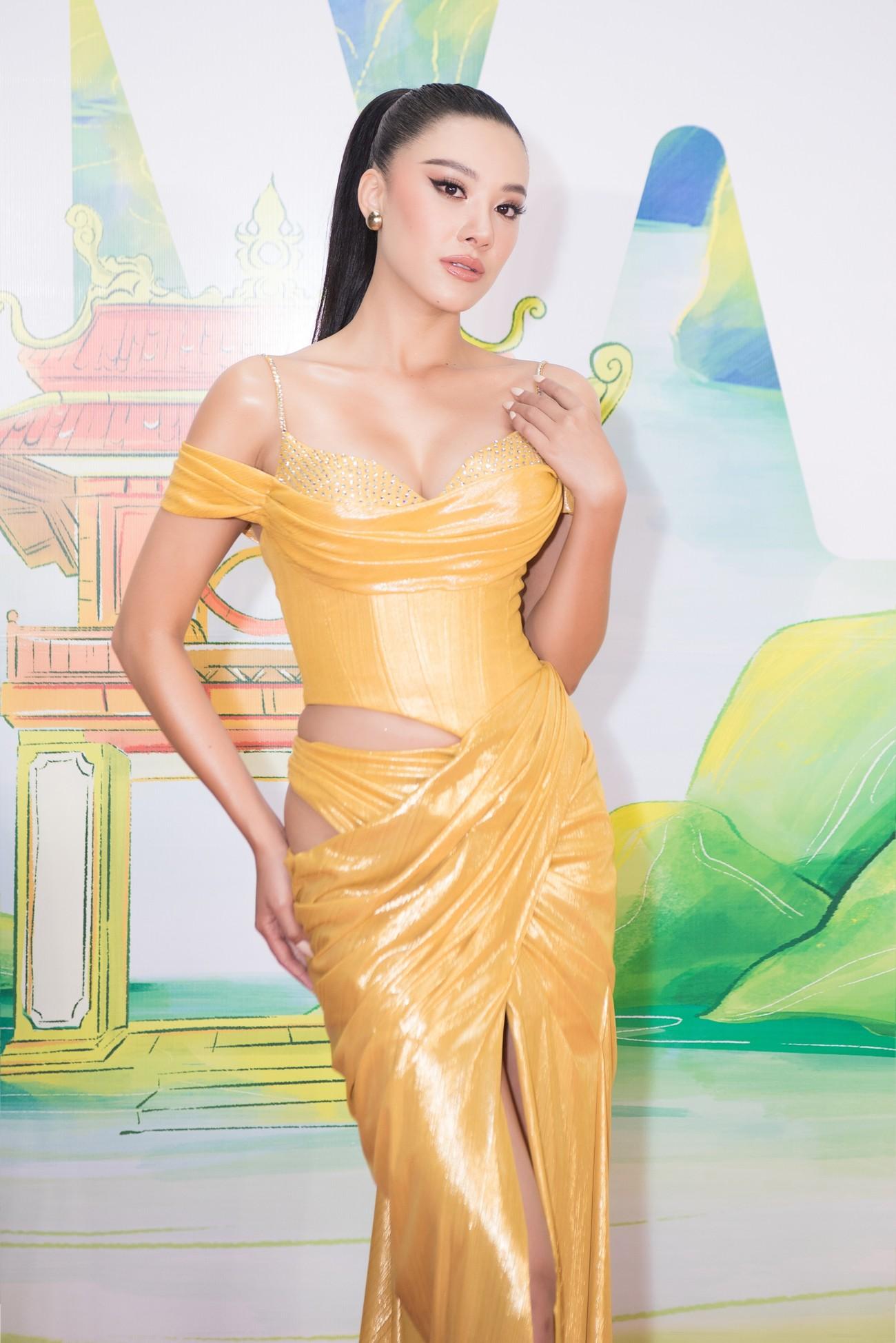 Khánh Vân, Võ Hoàng Yến, Hoàng My diện váy xẻ bạo khoe chân dài nóng bỏng ảnh 7