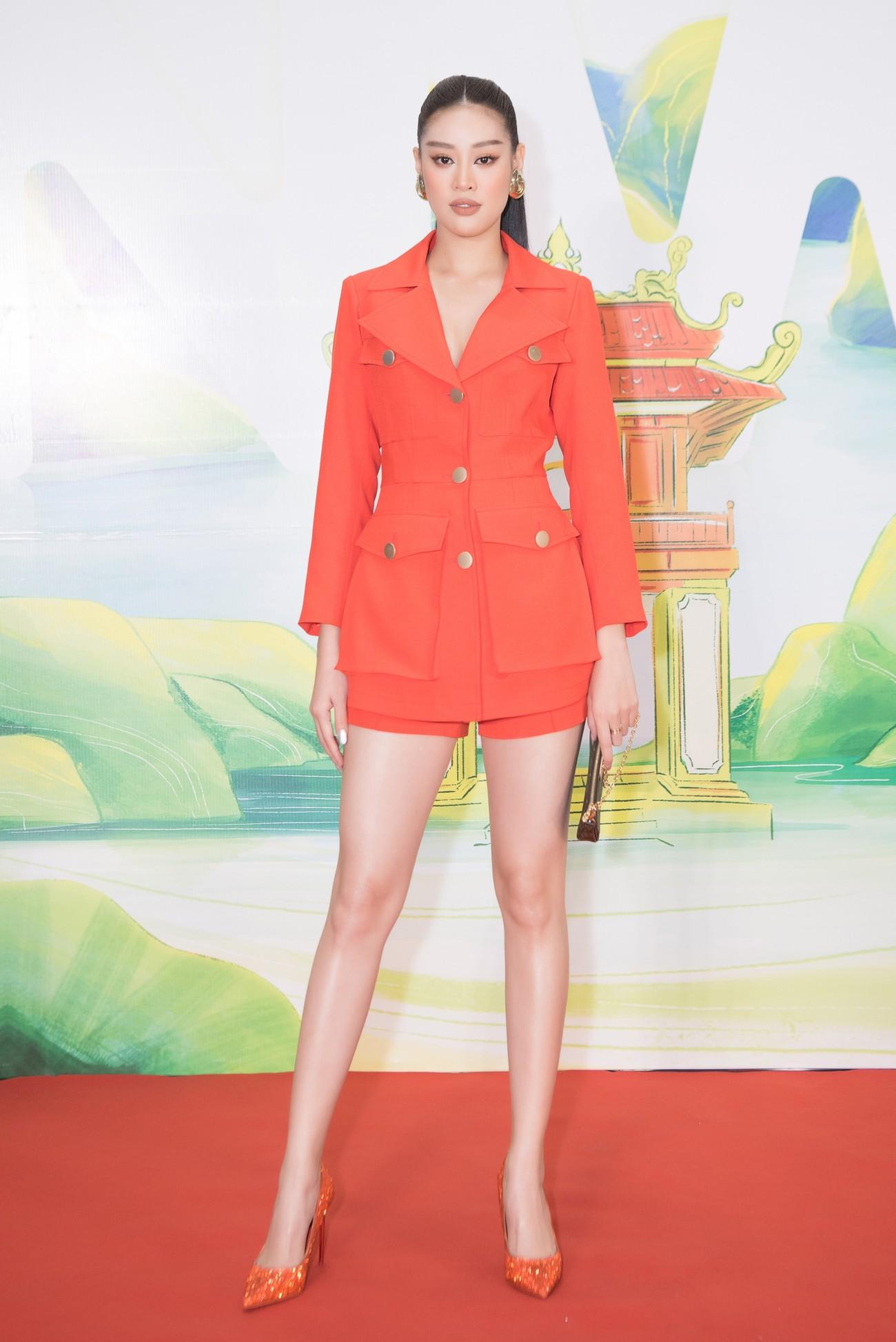 Khánh Vân, Võ Hoàng Yến, Hoàng My diện váy xẻ bạo khoe chân dài nóng bỏng ảnh 9