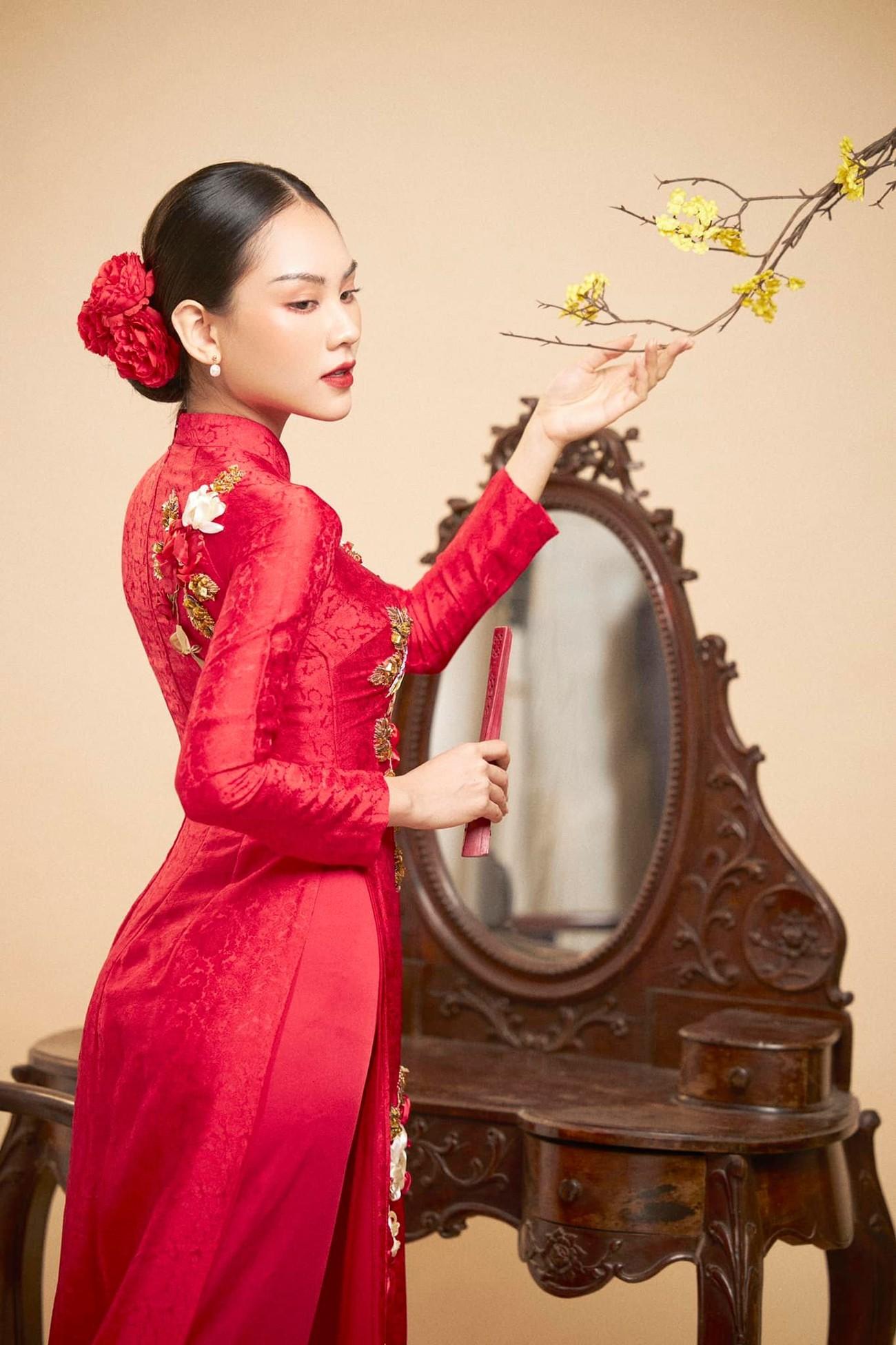 Dàn người đẹp của HHVN 2020 khoe nhan sắc đẹp hút hồn với áo dài Tết ảnh 7