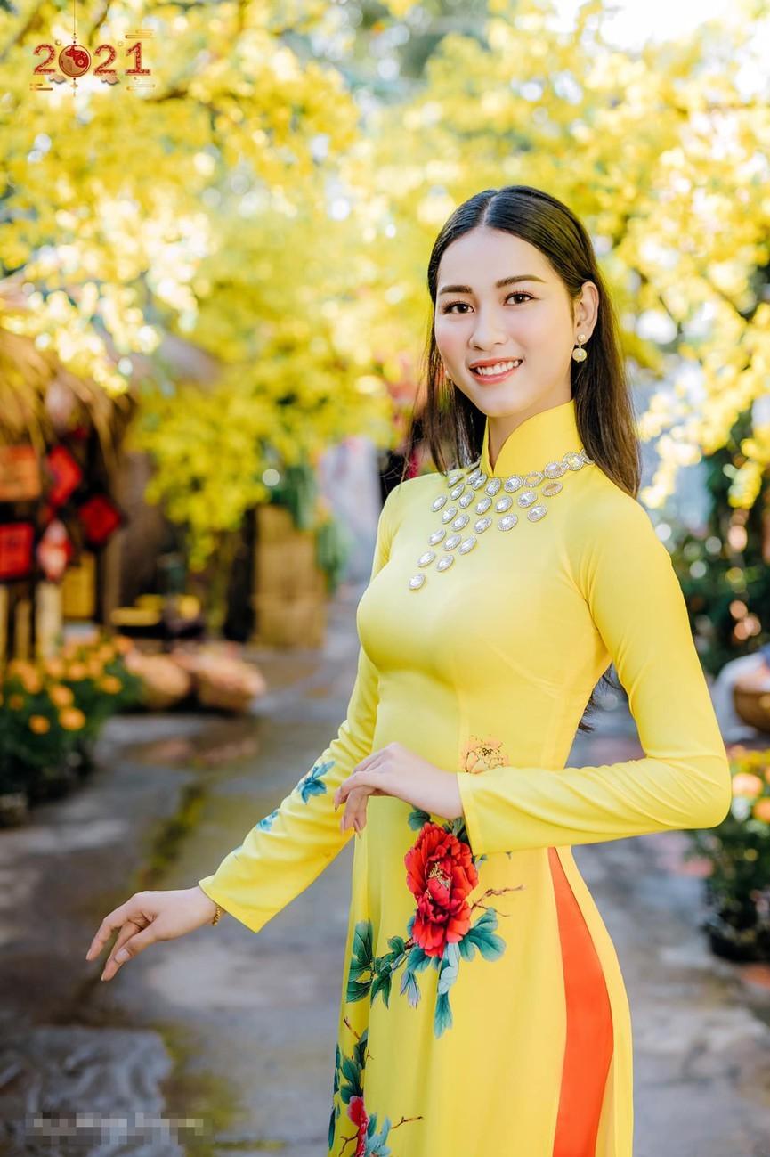 Dàn người đẹp của HHVN 2020 khoe nhan sắc đẹp hút hồn với áo dài Tết ảnh 15