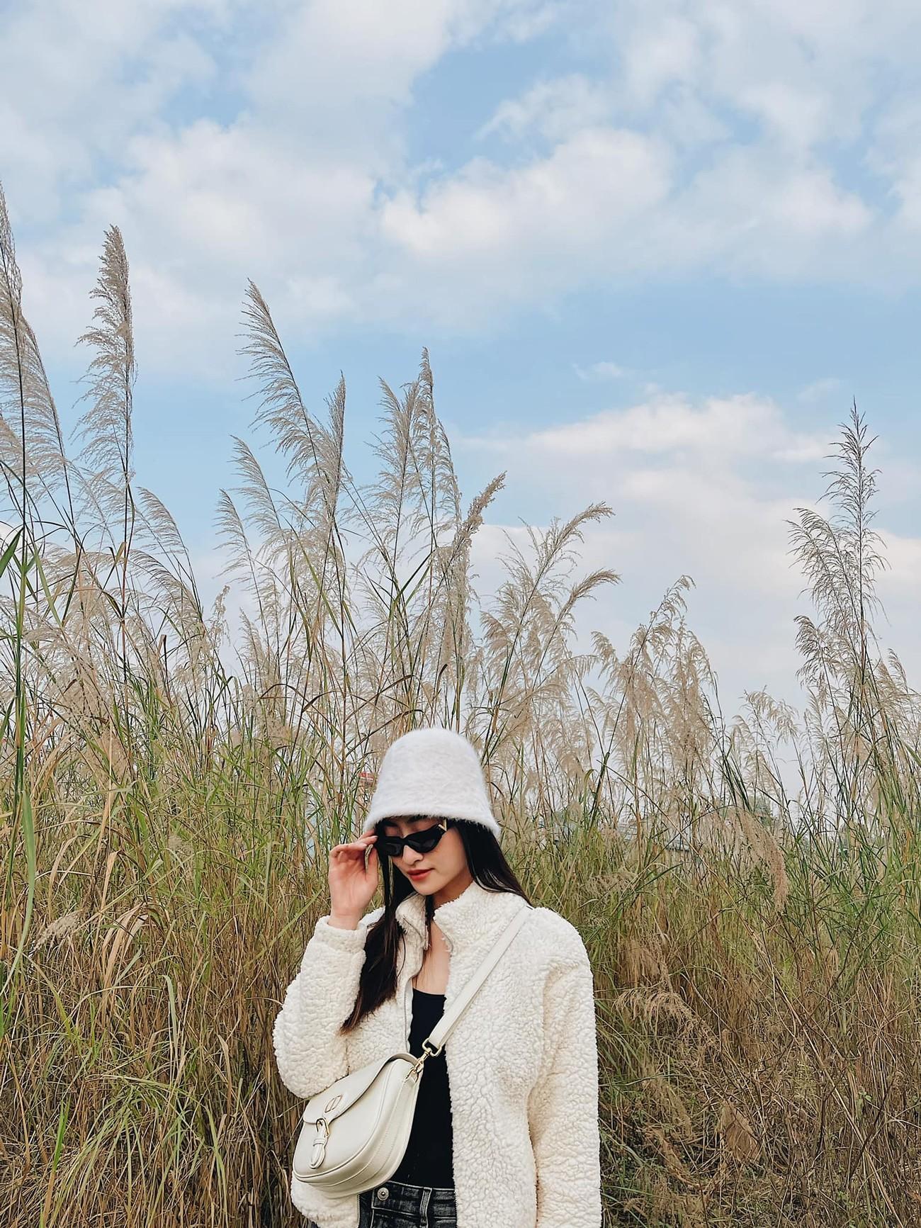 Tiểu Vy khoe body cực phẩm với bikini, Á hậu Phương Anh đẹp tựa nàng thơ ảnh 8
