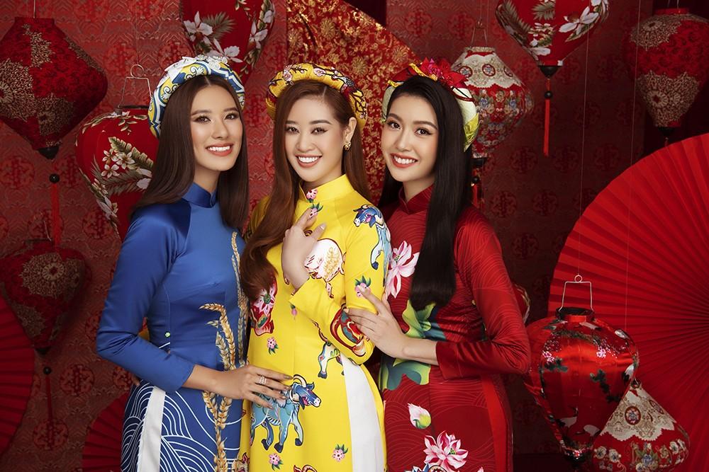 Á hậu Hoàng My tái xuất xinh đẹp với áo dài Tết, đọ sắc bên Khánh Vân - Kim Duyên ảnh 4