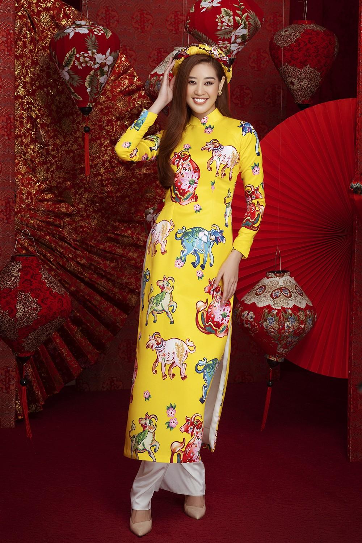 Á hậu Hoàng My tái xuất xinh đẹp với áo dài Tết, đọ sắc bên Khánh Vân - Kim Duyên ảnh 5