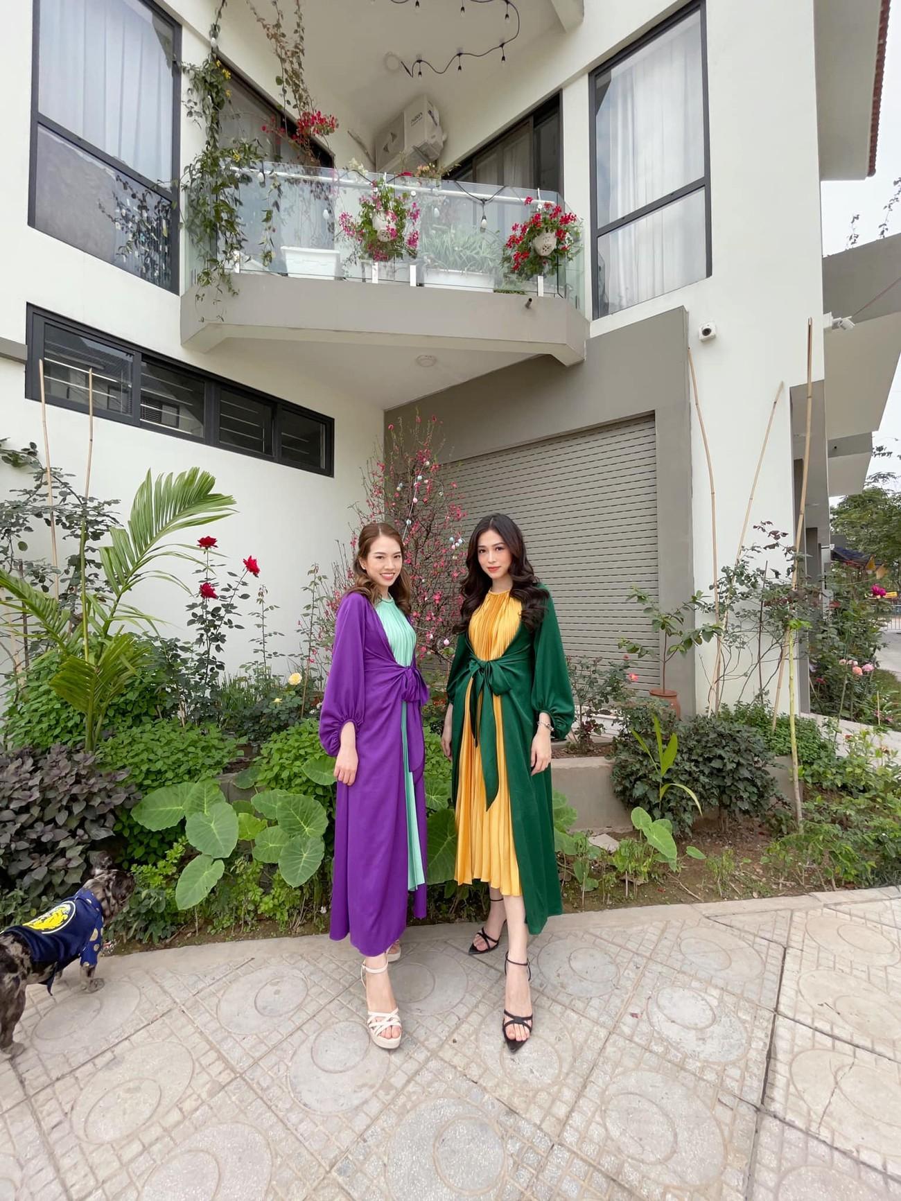 Hoa hậu Tiểu Vy khoe ảnh mẹ diện áo dài ngày mùng 1 Tết, fans trầm trồ vì nhan sắc trẻ đẹp ảnh 24