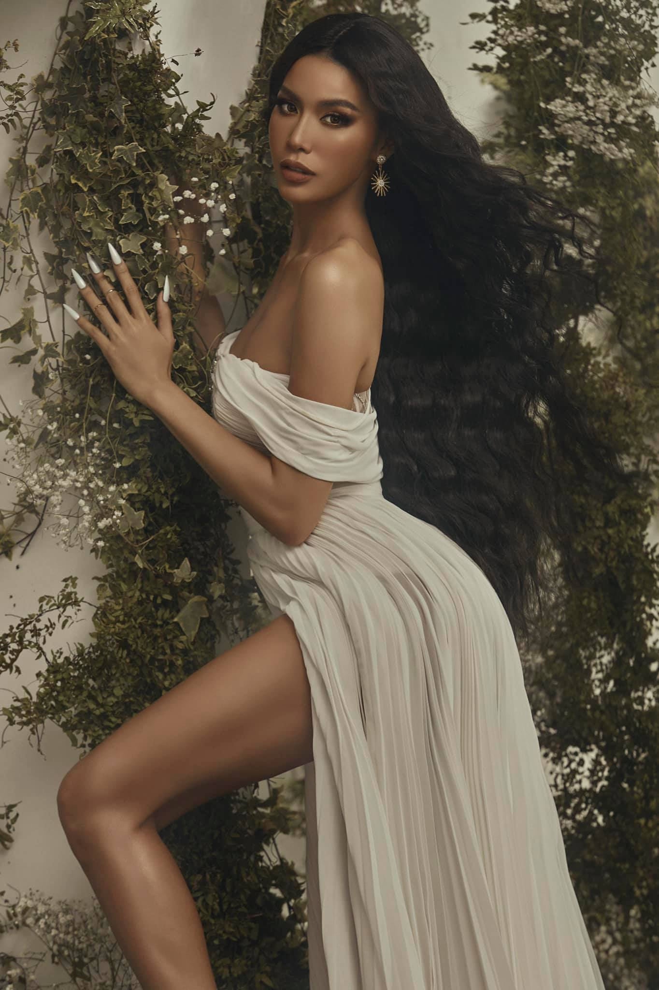 Minh Tú hoá 'nữ thần Cupid' nóng bỏng, Á hậu Phương Anh 'đốt mắt' fans với áo tắm quyến rũ ảnh 3