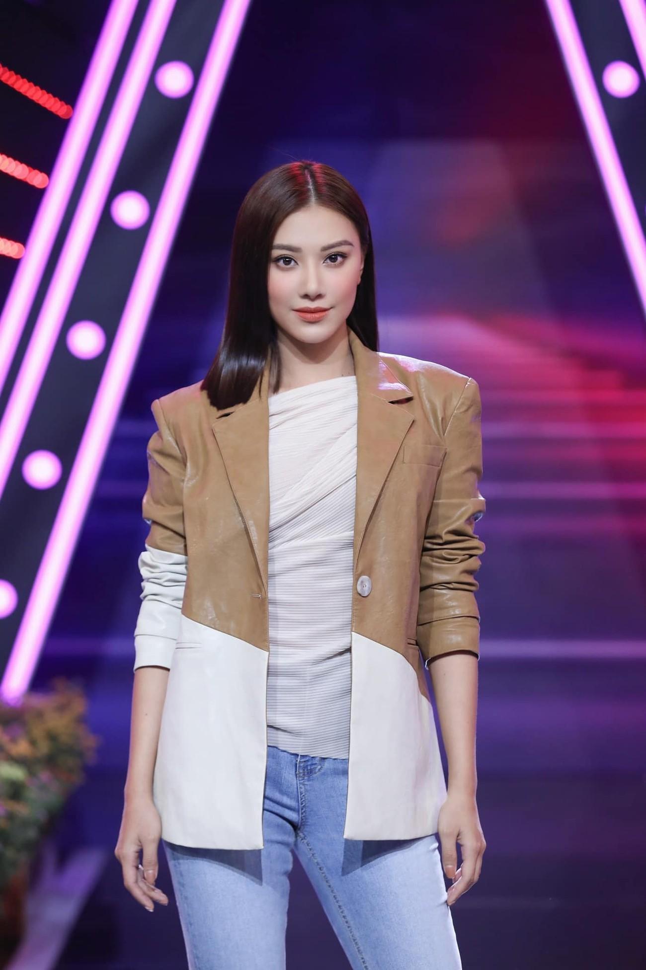 Minh Tú hoá 'nữ thần Cupid' nóng bỏng, Á hậu Phương Anh 'đốt mắt' fans với áo tắm quyến rũ ảnh 12