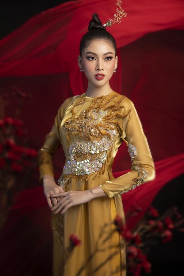 Gam màu vàng sang chảnh đích thị là màu 'phong thuỷ' của Á hậu Ngọc Thảo ở Miss Grand 2021 ảnh 12