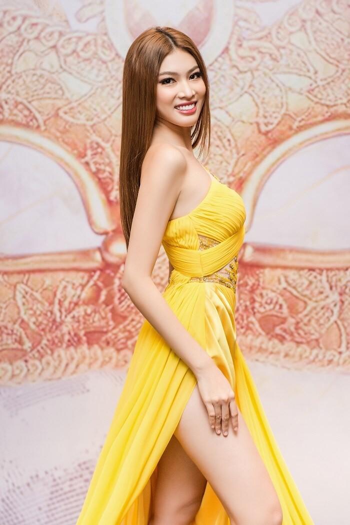 Gam màu vàng sang chảnh đích thị là màu 'phong thuỷ' của Á hậu Ngọc Thảo ở Miss Grand 2021 ảnh 6