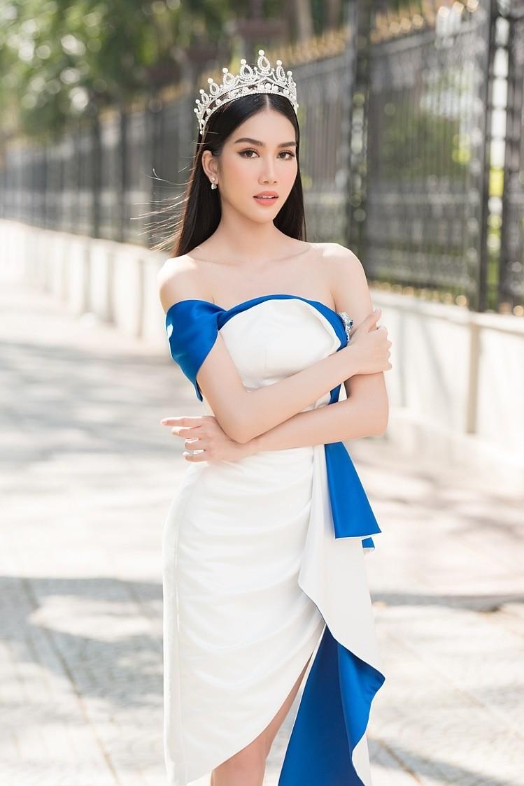 Gam màu trắng thanh lịch là 'chân ái' của Á hậu Phương Anh tại Miss International 2021 ảnh 7