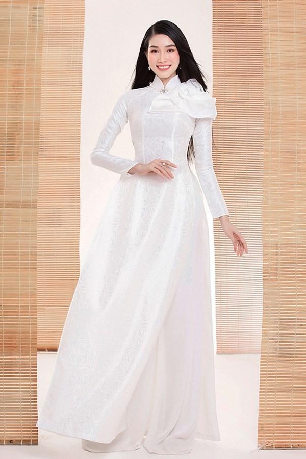 Gam màu trắng thanh lịch là 'chân ái' của Á hậu Phương Anh tại Miss International 2021 ảnh 8