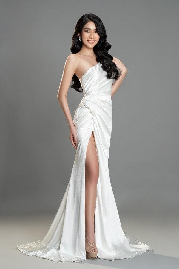 Gam màu trắng thanh lịch là 'chân ái' của Á hậu Phương Anh tại Miss International 2021 ảnh 4