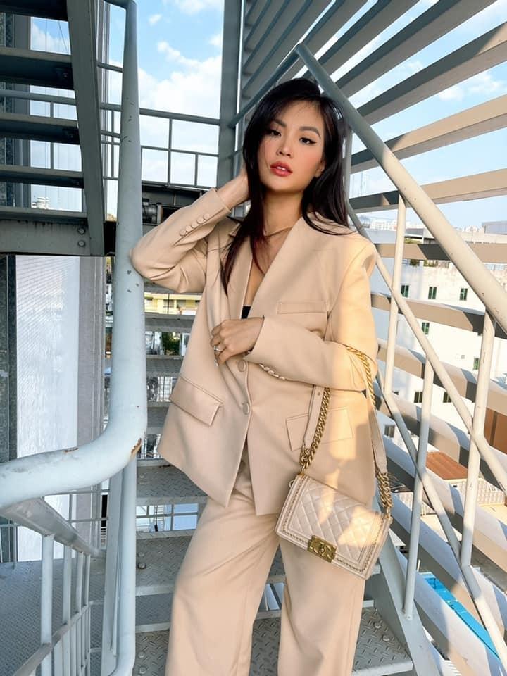 Hoa hậu Tiểu Vy mặc đơn giản vẫn đẹp hút hồn, Mai Phương Thuý diện váy cúp ngực nóng bỏng ảnh 9