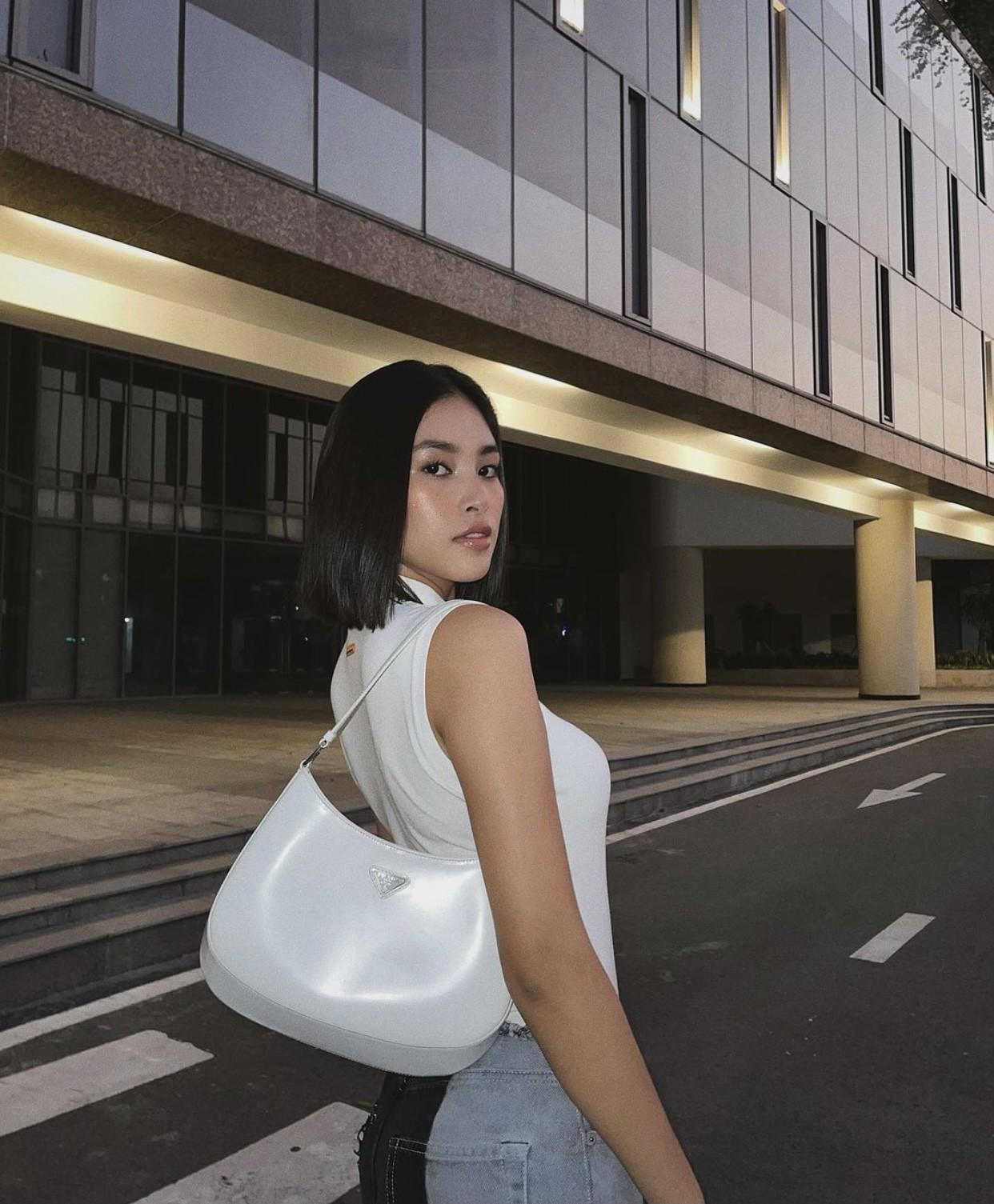 Hoa hậu Tiểu Vy mặc đơn giản vẫn đẹp hút hồn, Mai Phương Thuý diện váy cúp ngực nóng bỏng ảnh 2