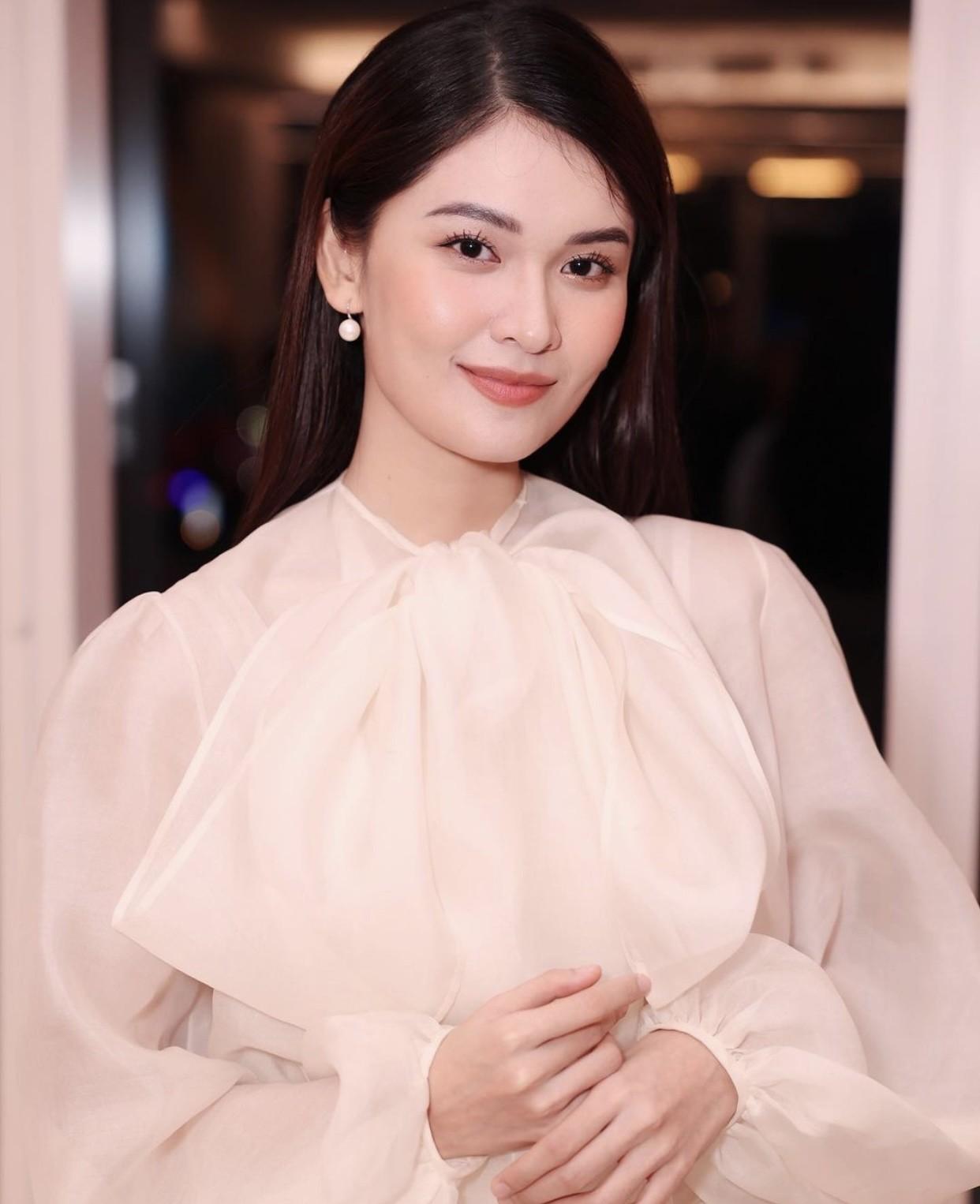 Hoa hậu Tiểu Vy mặc đơn giản vẫn đẹp hút hồn, Mai Phương Thuý diện váy cúp ngực nóng bỏng ảnh 11